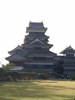 10月:松本城